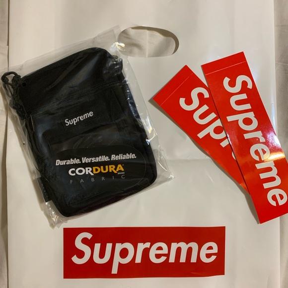 c0ba3db18d4 Supreme Bags   Ss19 Black Utility Pouch New   Poshmark